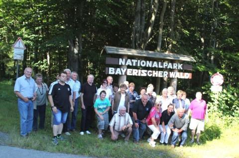 Gruppenbild vor dem Nationalpark